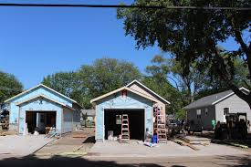 home builders blitz day 4 cedar valley habitat for humanity