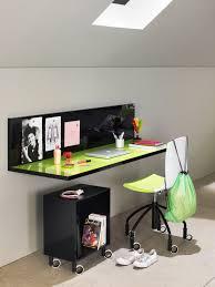 bureau enfant original bureau en bois contemporain pour enfant kubika compozione 2