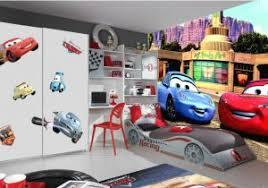chambre mcqueen poster cars avec poster cars wall mural manhattan at
