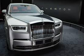 classic rolls royce phantom this is what the new 450 000 rolls royce rolls phantom looks like