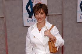 original 70s dorothy hamel hairstyle how to 5 best dorothy hamill hairstyles for mid aged women