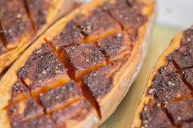 cuisiner les patates douces recette de patates douces aux quatre épices rôties au four charles
