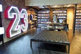 Furniture Stores In Los Angeles Downtown New Shiekh Flagship Store Now Open On Broadway In Downtown La