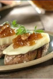 canap au fromage canapés à la confiture de figues noix et fromage
