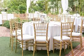chiavari chairs wedding this wedding at casa feliz was classic and chic with white decor