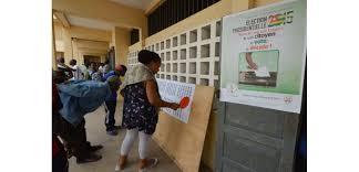 changement bureau de vote a lomé étranglés par le chômage et la précarité les électeurs