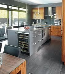 plancher cuisine bois clair et chez soi ilot et bois