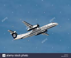 alaska airlines horizon air plane airplane bombardier dash 8