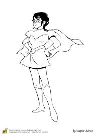 Coloriage Super Héroïne Fille