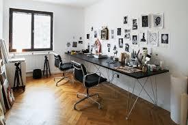 bureau eames un bureau pour 2 en longueur avec des fauteuils de bureau eames en