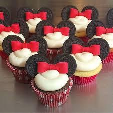 minnie mouse cupcakes minnie mouse cupcakes the lowdown