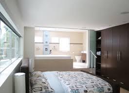 schlafzimmer mit bad freistehende badewanne im schlafzimmer keine klare trennung bad