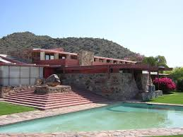 frank lloyd wright architectural style with awesome out door pool