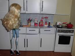barbie kitchen furniture como fazer um balcão com pia de cozinha para boneca monster high