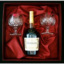 in gift set 2 glasses and bottle of hennessey in gift box