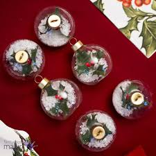talking tables holly bauble placecard holder table setting