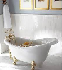 Clawed Bathtub Rejuvenate Your Senses In Clawfoot U0027s Bathtub Luxurylaunches