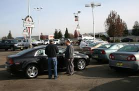 how much can a dealer discount a new car what you should about being a buyer at a dealership