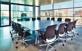 bureau reunion table de réunion design achat table de réunion bois en verre ou