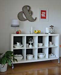 ikea cuisine etagere étagère kallax ikea 69 idées originales de l utiliser archzine fr