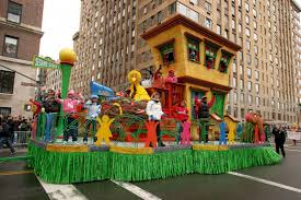 thanksgiving day parade 2014 online macy u0027s thanksgiving day parade through the years photos abc news