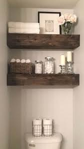 Log Cabin Bathroom Accessories by Best 25 Cabin Bathroom Decor Ideas On Pinterest Small Cabin