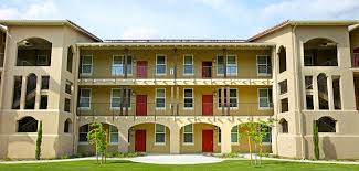 Cheap 2 Bedroom Apartments In Fresno Ca Parc Grove Commons Apartments Apartment Homes In Fresno Ca