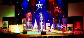 multi pallet christmas church stage design ideas