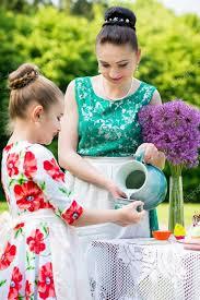mere et fille cuisine mère et fille cuisine cupcakes photographie okskukuruza 122785394