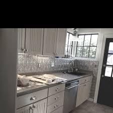 Embossed Tin Backsplash by Tin Backsplash Done Fasade Panels House And Home Pinterest