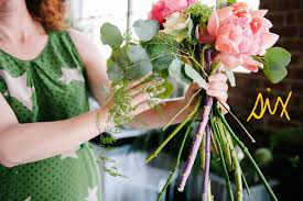 how to make wedding bouquets how to make a colorful oversized wedding bouquet a practical wedding