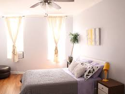 prime location modern comfort in greenpoint homeaway large bedroom queens bed sleeps 2 air conditioner seasonal quiet ceiling fan
