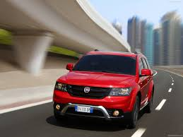 fiat freemont fiat freemont cross photos photogallery with 81 pics carsbase com