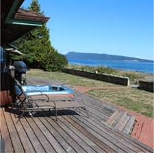 vacation house rentals in bowser qualicum and mesachie lake