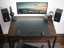 Minimal Computer Desk The Minimal Floating Monitor Workspace Office Design Pinterest