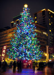 pioneer square christmas tree by ryanjz on deviantart