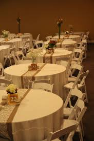 how to make burlap table runners for round tables im in love with the burlap and lace table runners too cute