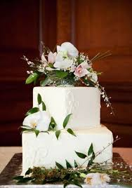 wedding cake flower 30 gorgeous square wedding cake ideas weddingomania