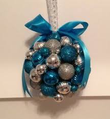 Small Blue Christmas Decorations by 37 Dazzling Blue And Silver Christmas Decorating Ideas Silver
