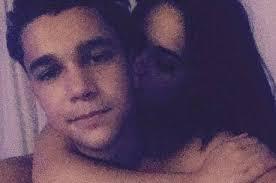 Austin Mahone posta foto de momento íntimo com Becky G