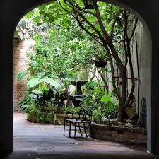 new orleans courtyard outdoor living spaces pinterest patios