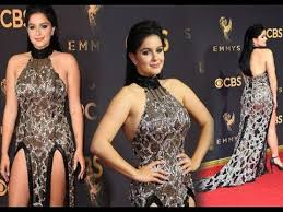 the 2017 emmys were entertaining because ariel winter wore a see