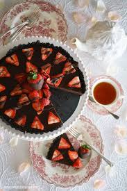 no bake chocolate strawberry ganache tart with chocolate cookie