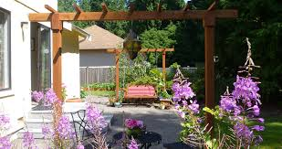 beautiful and affordable diy backyard makeover home deconomics
