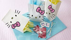party favor bags how to make a hello party favor bag bettycrocker