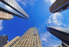 imagenes de bottom up opinión de bottom up de rascacielos en nueva york foto de archivo