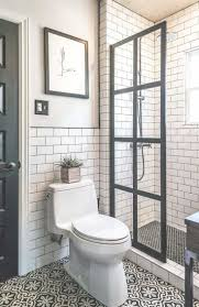 Bathroom Remodeling Ideas On A Budget by Best 25 Small Master Bathroom Ideas Ideas On Pinterest Small