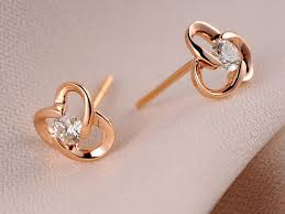 small diamond earrings gold diamond stud earrings beautiful out fit with the