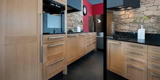 cuisine en chene moderne cuisine amnage chene clair dco cuisine ambiance avec meubles