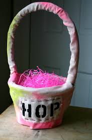 painted easter baskets different diy easter baskets family chic by camilla fabbri 2009